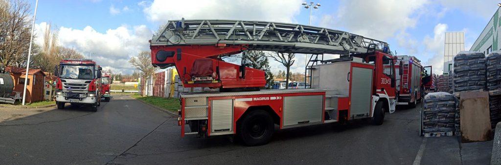 6 wozów strażackich pod Leroy