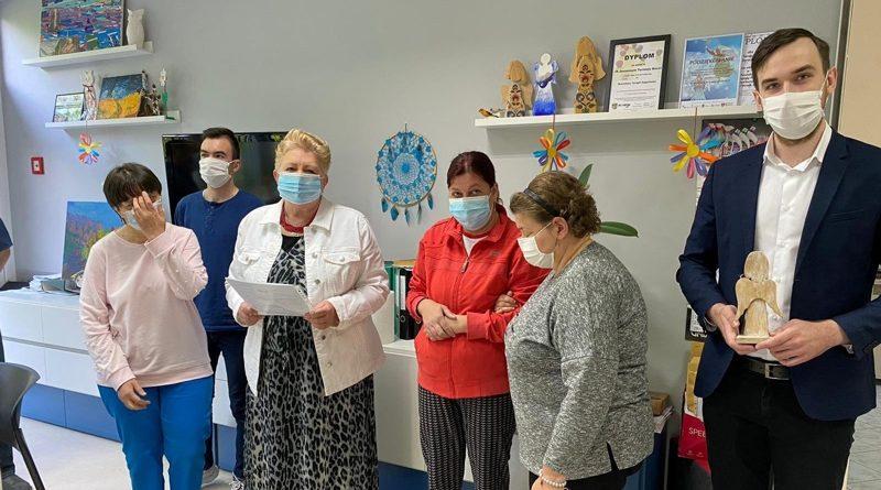 Projekt Poznań przekazał maseczki