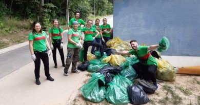 252 kg śmieci ekipa z Leroy