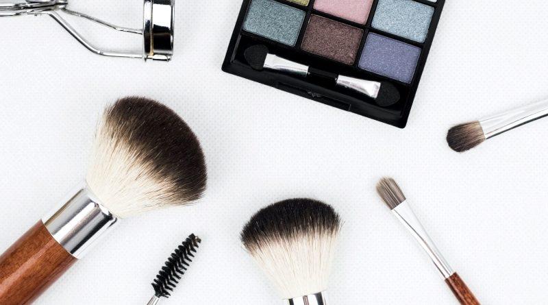 Najlepsze pędzle do makijażu i kosmetyki do makijażu